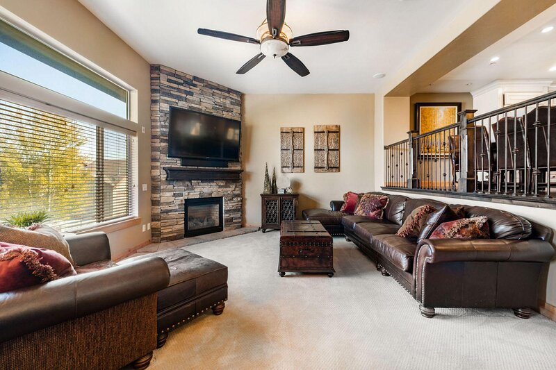 10% off weekly! Spacious Townhome w/ Private Hot Tub, holiday rental in Snyderville