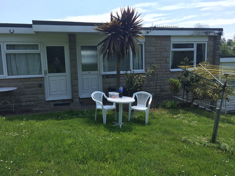 Holiday Chalet on the Isle of Wight, location de vacances à Adgestone