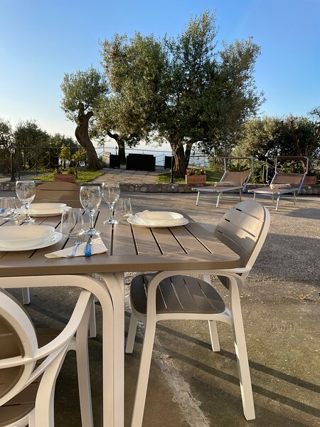 LOREN HOUSE, relaxing location with seaview, holiday rental in Termini