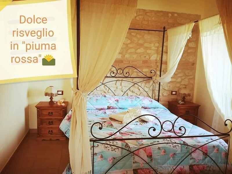 Casale con 8 appartamenti autonomi quadruple triple e doppie con bagno e cucina, casa vacanza a Scanno