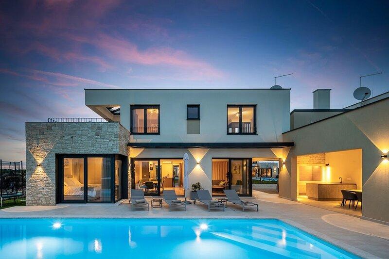 Beautiful Villa Primavera, holiday rental in Verteneglio