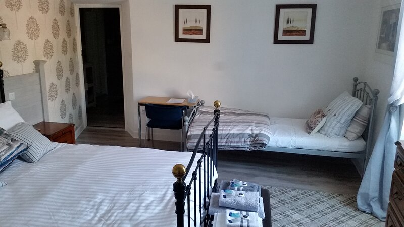 Maison de Magnolia Chambre d'Hôtes  Double Bedroom., holiday rental in Cavanac