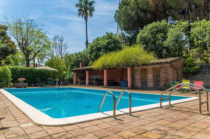 Villa Filosofo 5 pax - Swimming Pool BBQ Etna View - By SunTripSicily, location de vacances à Coste