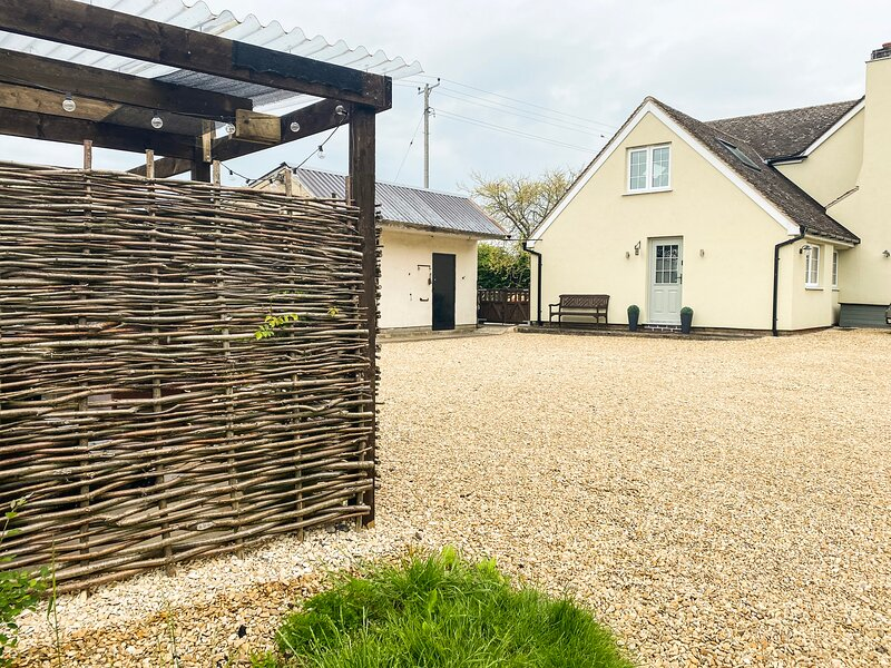 Little Perry at Perrywood End, Wadborough, vacation rental in Callow End