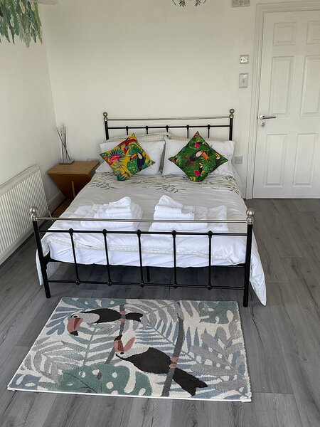 Double Room with private en-suite and sea views, vacation rental in New Quay