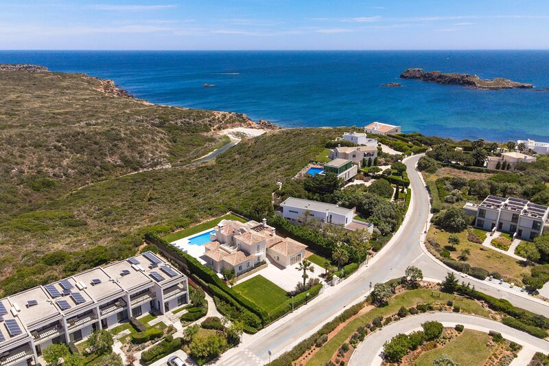 Modern Sea View Villa with incredible views over the ocean, location de vacances à Sagres