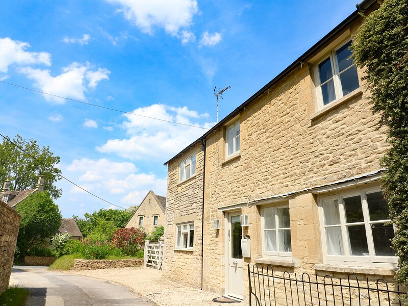 Mollys Cottage, Burford, vacation rental in Sherborne