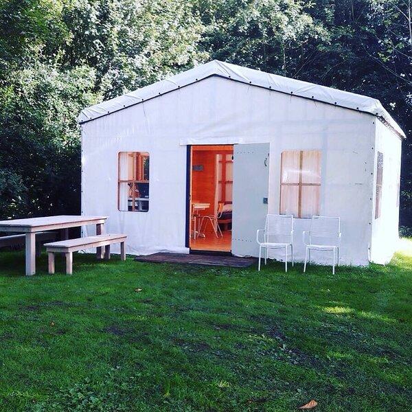 Tenthuisje, holiday rental in Westernieland