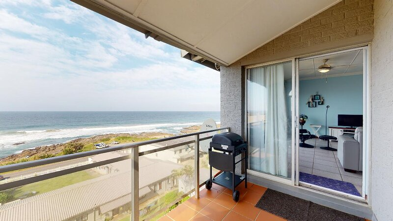 Best Family Vacation Rentals By IVACATION - SUE CASA 11 in MANABA BEACH, KZN, SA, holiday rental in San Lameer