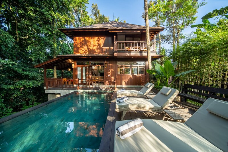 NEW Jungle Wooden Villa, 3 BR, Ubud w/ staff, up to 50% Discount!, holiday rental in Pemecutan Klod