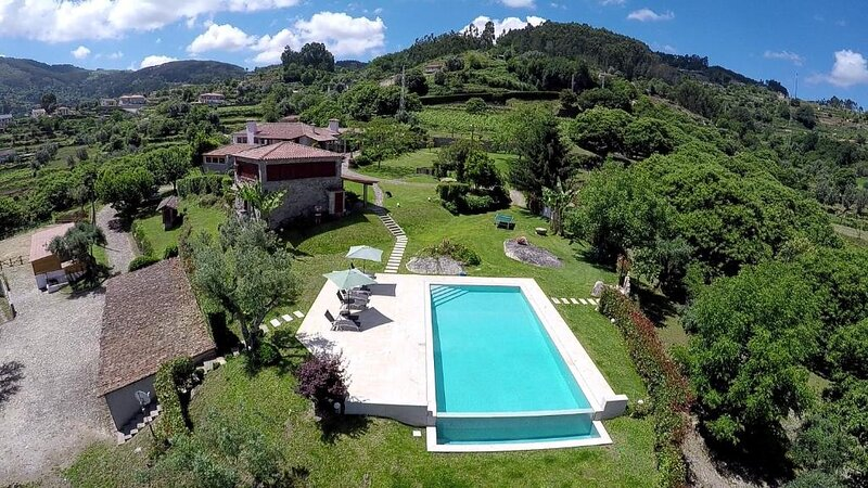 Fabulous Pool in a Stunning Landscape, location de vacances à Facha