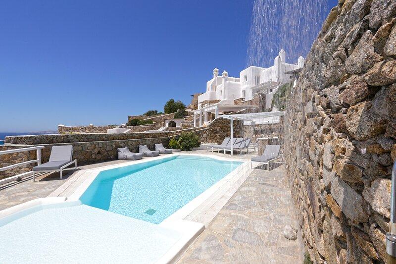 Villa 'Desiree' - Seablue Villas Mykonos, holiday rental in Choulakia