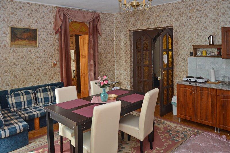 Captiva Family Apartman Eger, alquiler vacacional en Eger