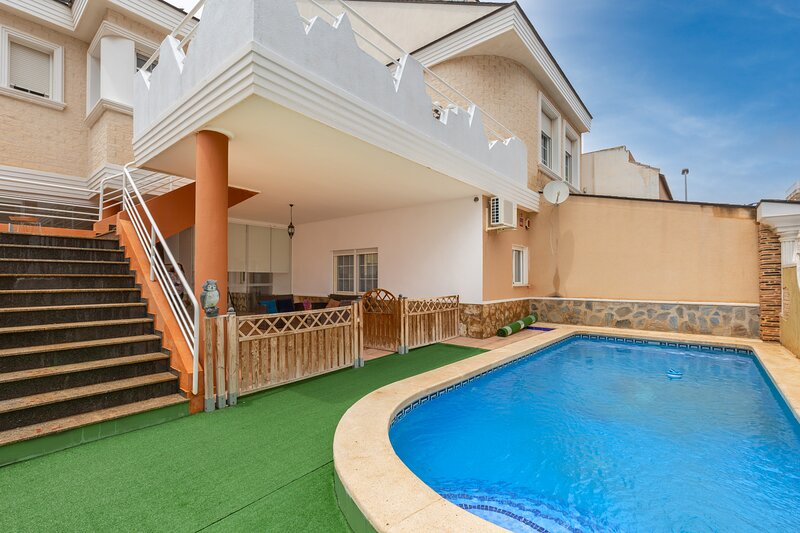 Fidalsa Blue Chill BBQ & Pool, holiday rental in Catral