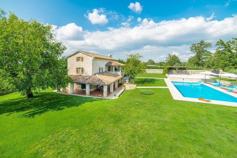 Villa Kata, holiday rental in Vosteni