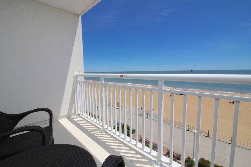 Ocean Sands Resort, oceanfront suite with balcony, holiday rental in Virginia Beach
