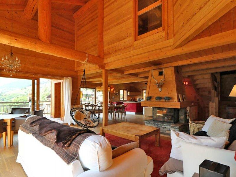 CHALET LUXE AVEC SPA, holiday rental in Montvalezan