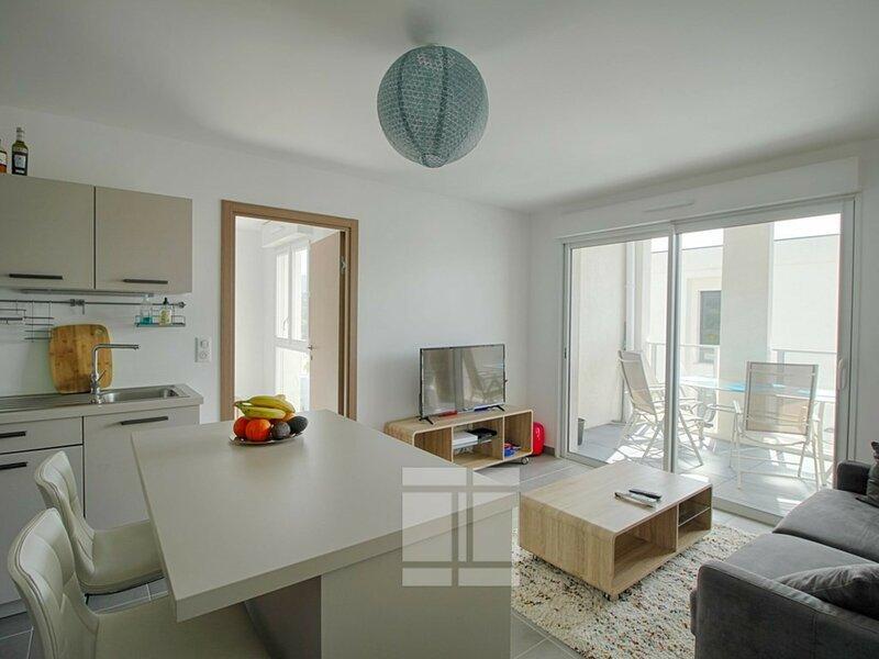 AJACCIO- Appartement entrée de ville F2- LA PALMERAIE, holiday rental in Mezzavia