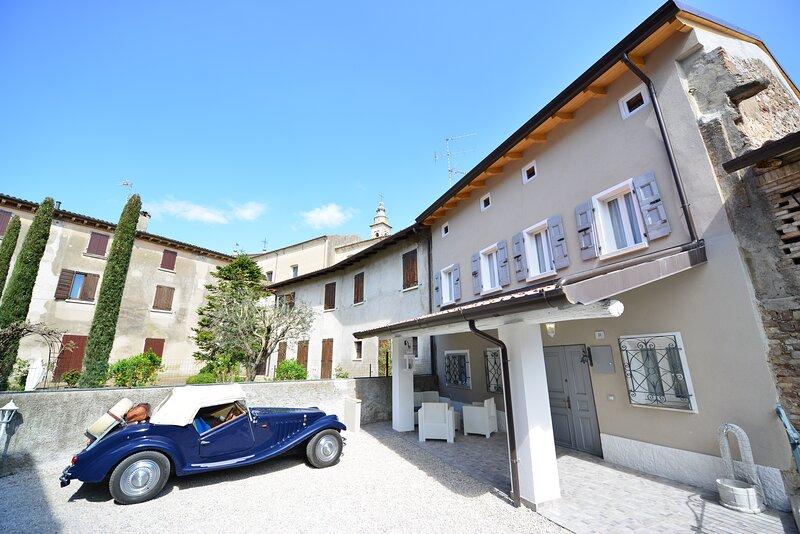 Residenza al Castello-Casa nel borgo medievale, holiday rental in Monzambano