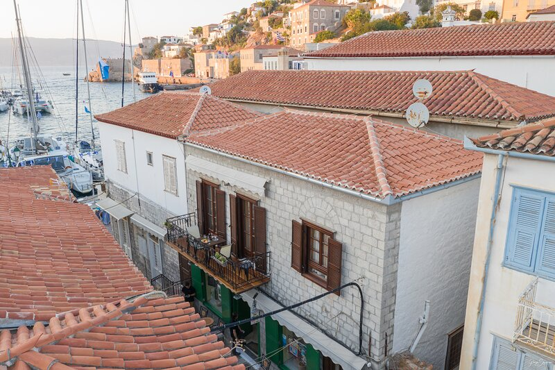 Guarda Il Porto Hydra guesthouse, holiday rental in Mandraki