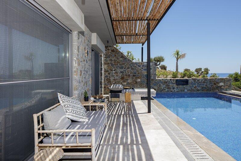 Kumo Villa II - Steps to heaven!, holiday rental in Agios Pavlos