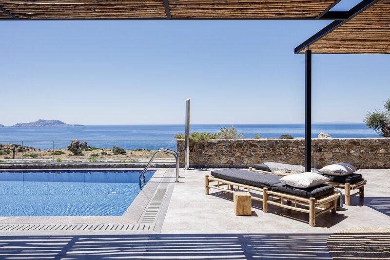 Kumo Villa III - Steps to heaven!, holiday rental in Agios Pavlos