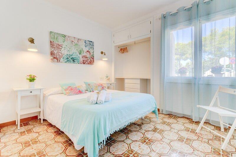 Aiguamarina Beach Apartment in Puerto de Alcúdia, Mallorca, Balearic Island, location de vacances à Alcudia