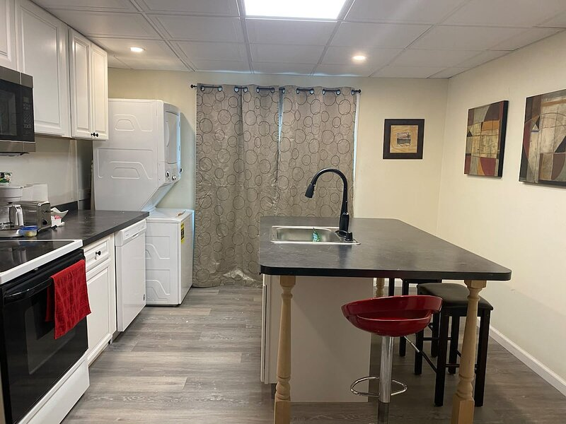 Cozy Entire 2 Bedroom Home Close to Niagara River (USA), holiday rental in Grand Island