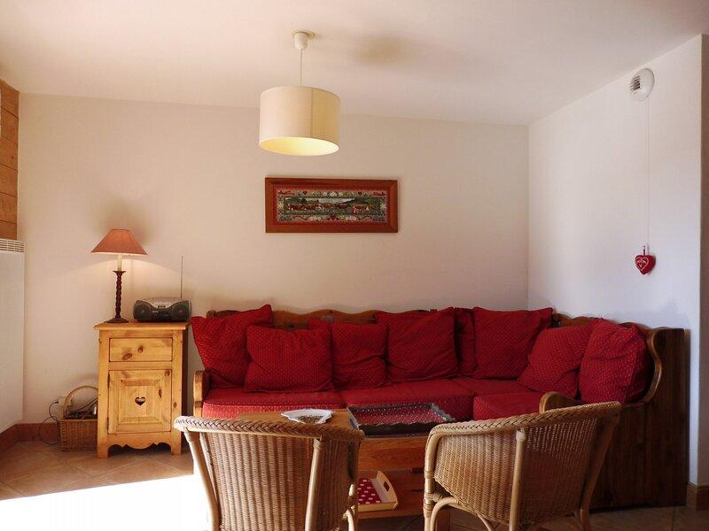 joli 4 pieces pour 6 dans residence de standing, location de vacances à Ugine