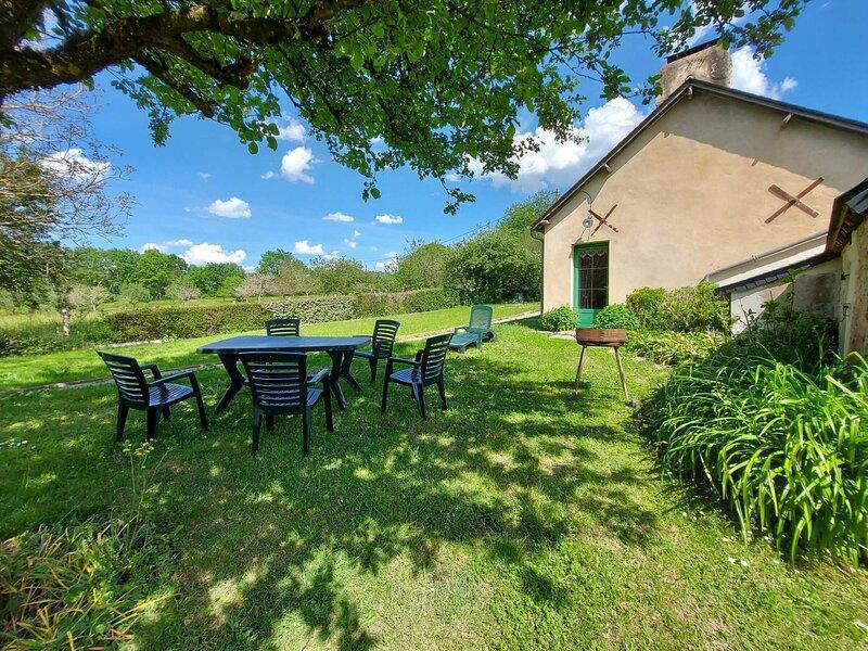 Location Gîte Saint-Christophe-du-Luat, 4 pièces, 5 personnes – semesterbostad i Sainte-Suzanne-et-Chammes