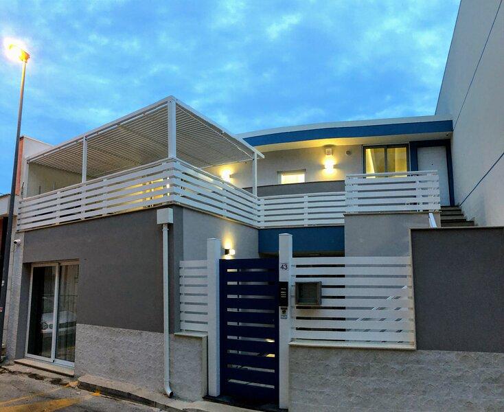 Casa Med ristrutturata a pochi passi dal mare, casa vacanza a Ragusa
