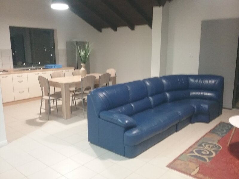 Modern apartment near to the beach !, location de vacances à Privlaka