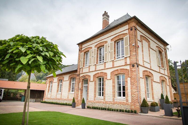 Chambre d'hôtes insolite Glam'chic Room, alquiler vacacional en La Haye-Aubree