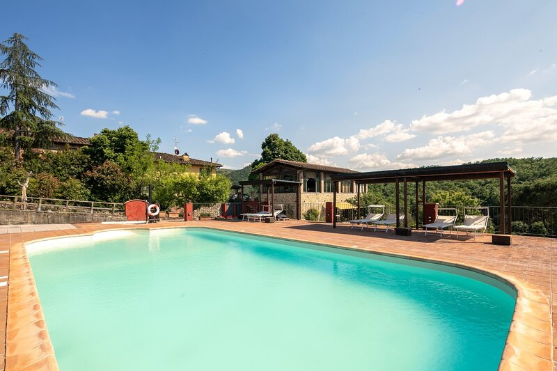 Serra Holiday Home Sleeps 10 with Pool Air Con and WiFi - 5891905, vacation rental in Artimino
