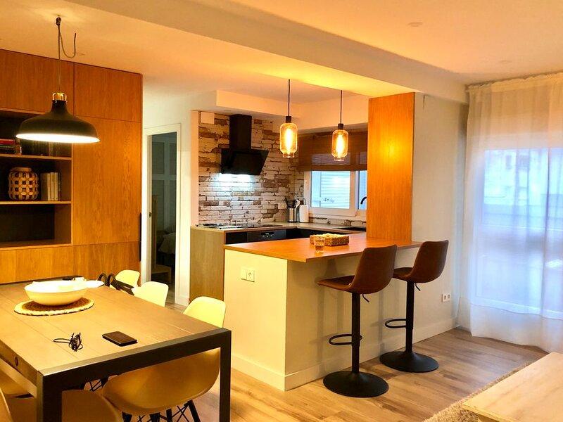 Acogedor piso recién reformado a 10 minutos del centro de Gijón, holiday rental in Roces-Sur