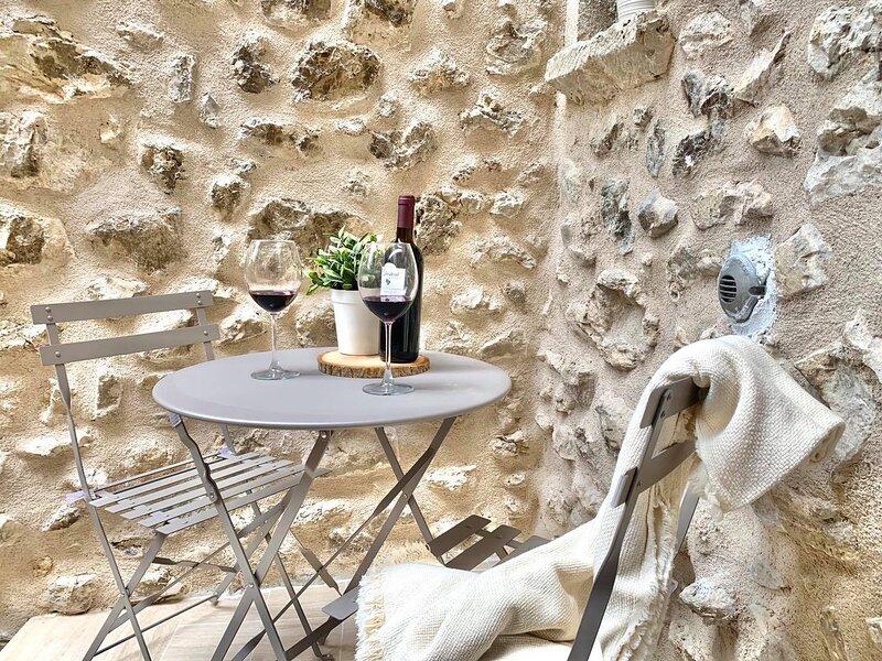 CIVICO25 | Monolocale con terrazzo e Wi-Fi, casa vacanza a Navelli