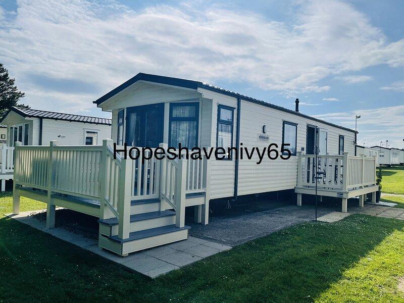 Cayton Bay 6 Berth Caravan double glazing and central heating Parkdean Resort, location de vacances à East Ayton