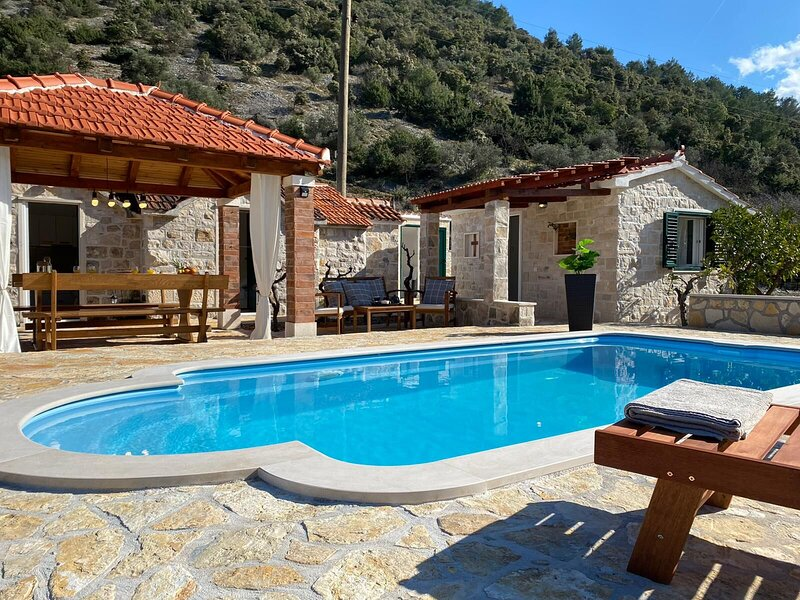 House Mare, holiday rental in Dol