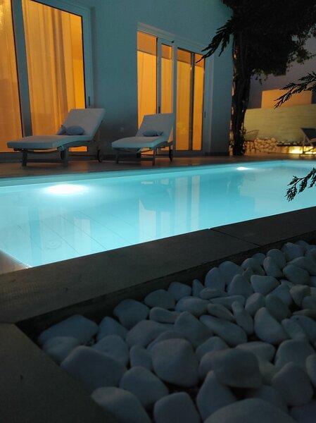CHRIS REA VILLA  IN SKIATHOS TOWN, holiday rental in Megali Ammos