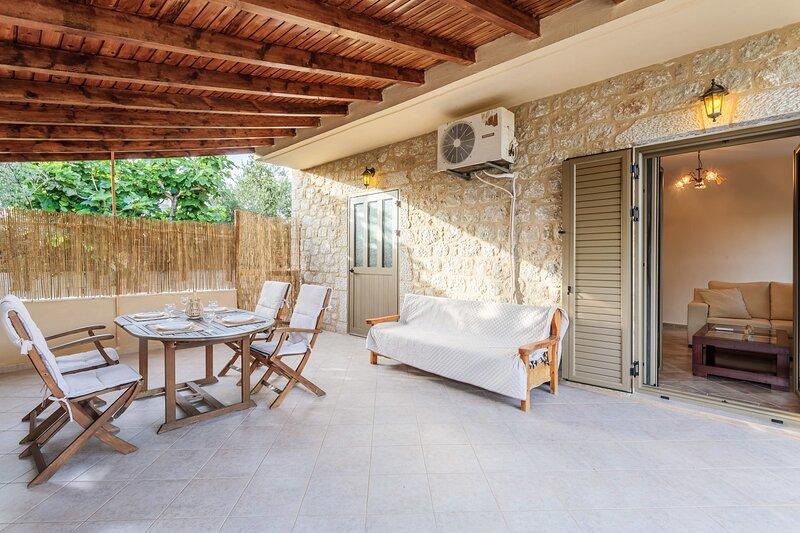Selinitsa Stone Home - Mani Seaview Retreat, holiday rental in Nomitsis