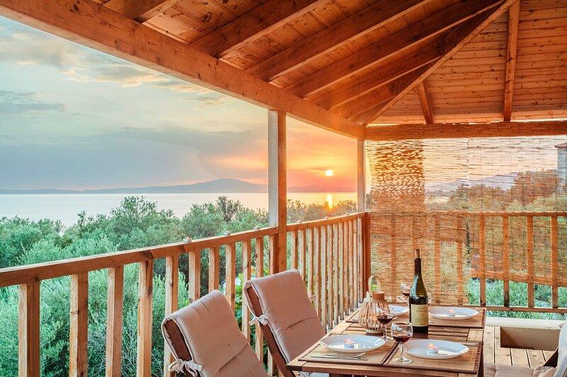 Selinitsa Stone Studio - Mani Seaview Retreat, holiday rental in Nomitsis