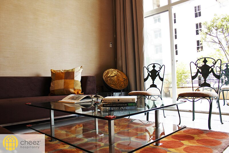 Andraos Residence - 3 Bdr Apartment in Achrafieh - By Cheez Hospitality, holiday rental in Khalde