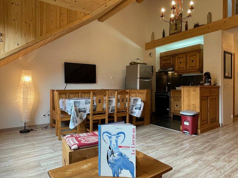 ALTURA T2 Duplex wifi au pied des montagnes, location de vacances à Le Falgoux