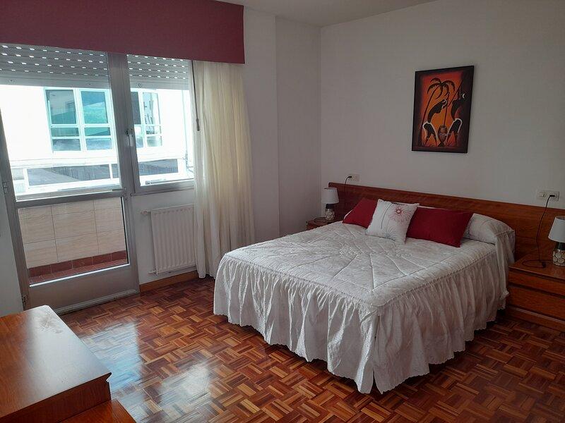 Amplio y luminoso alojamiento, alquiler de vacaciones en Vilaxoán