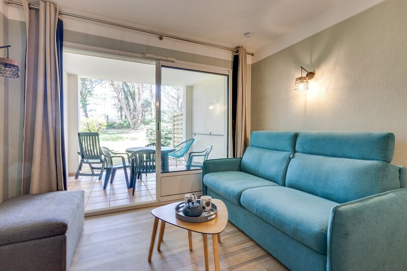 Le Zeste - Terrasse et piscine partagée, holiday rental in Palavas-les-Flots