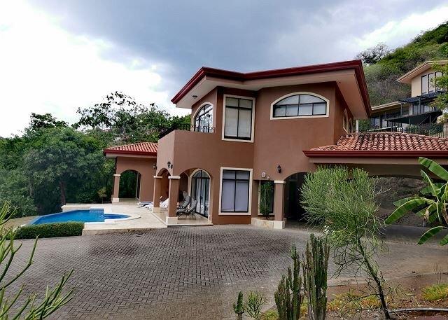 Casa Aguas - Ocean View & Infinity Pool - Perfect for 4 Couples!, location de vacances à Liberia