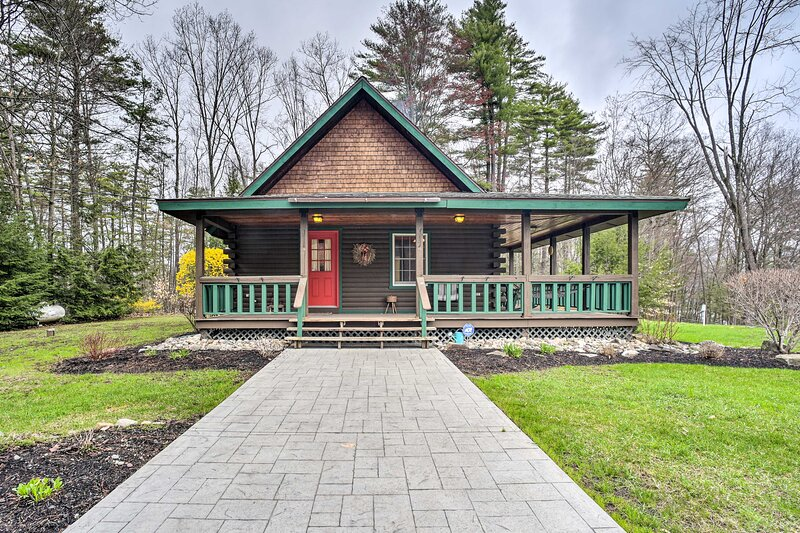 NEW! Lovely Fort Ann Lodge - 10 Mi to Lake George!, alquiler vacacional en Argyle