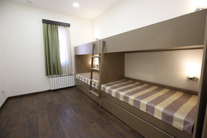 Quadruple Room - Armenian Inn, casa vacanza a Parakar