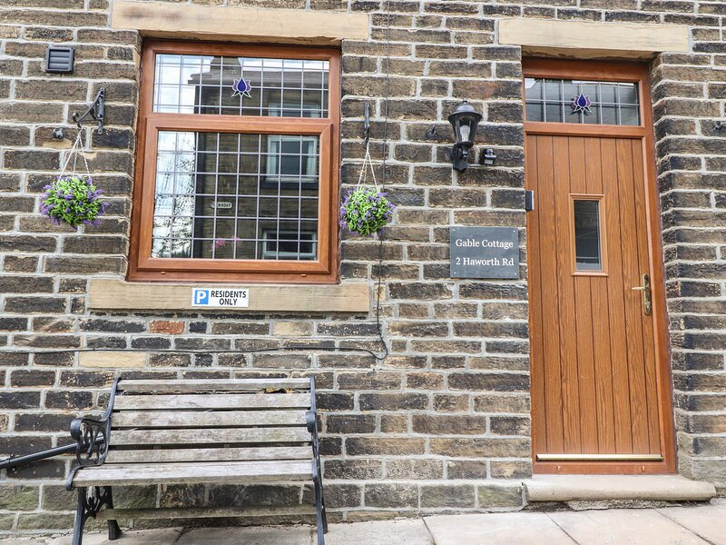 Gable Cottage, Haworth, holiday rental in Laycock