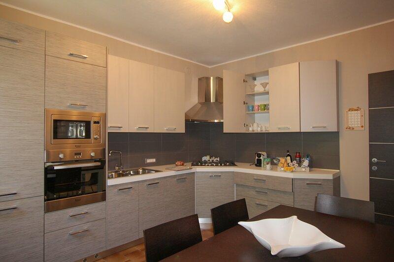Appartamento Sofia Lezzeno, holiday rental in Lezzeno